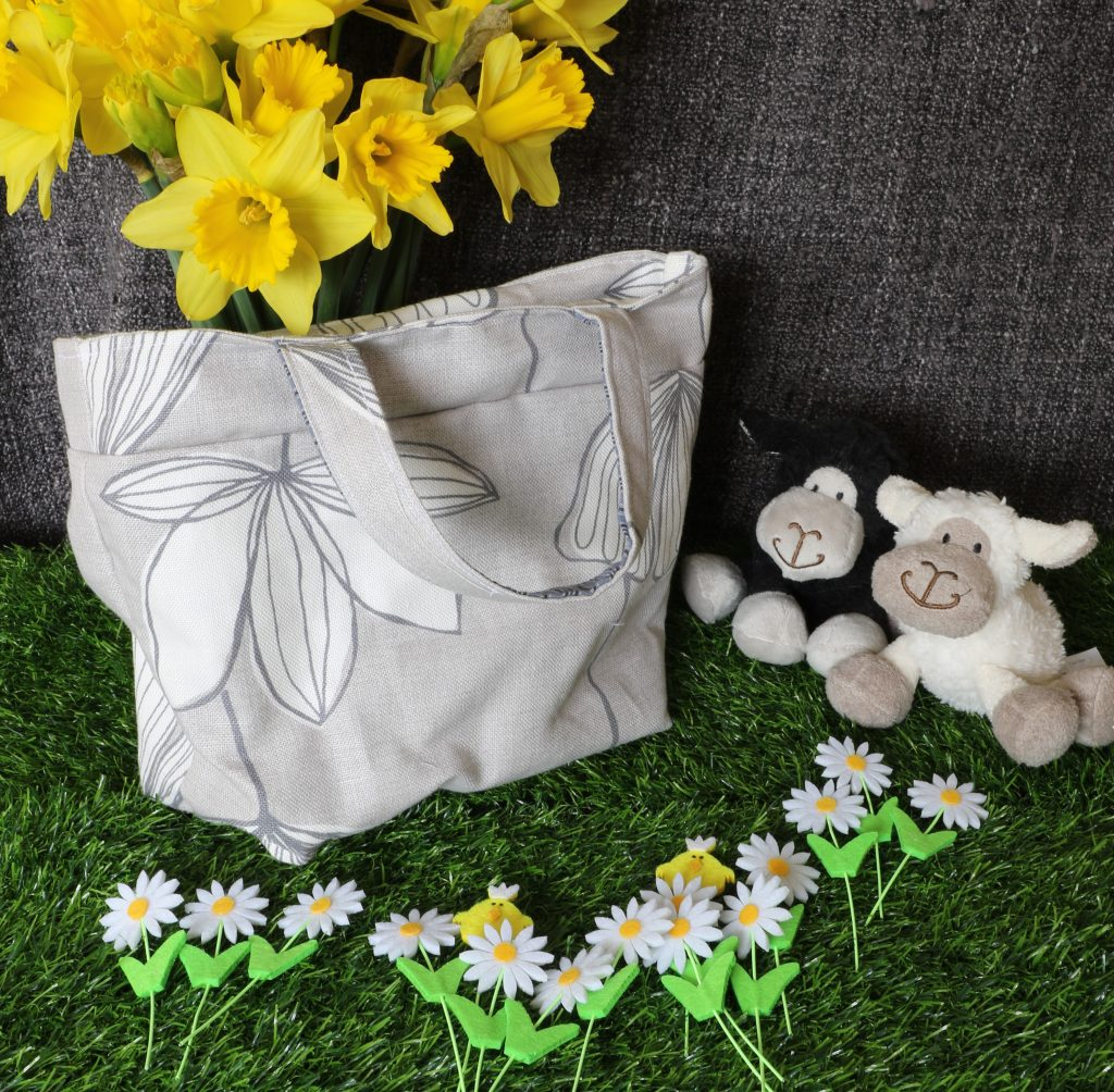 Tote bag - grey flowers 2