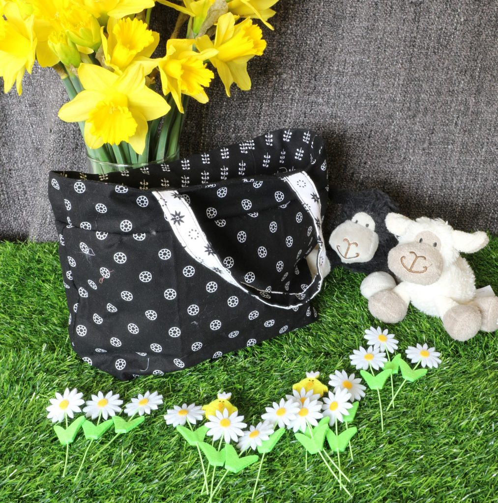 Tote bag - black circles